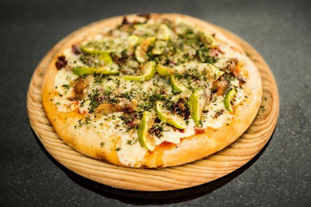 pizza-de-pato-e-higos-en-picsa